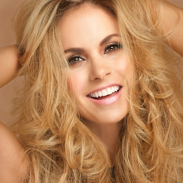 Lucero Hogaza Leon - Lucero was born in Mexico on August 29, 1969. She is the daughter of Lucero Leon and Antonio Hogaz and has one brother, Antonio. She first appeared on television when she was 10 years old, and her fir (7×8)