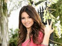 Victoria Justice - Victoria Dawn Justice (born February 19, 1993 in Hollywood, Florida) is an American actress and sing