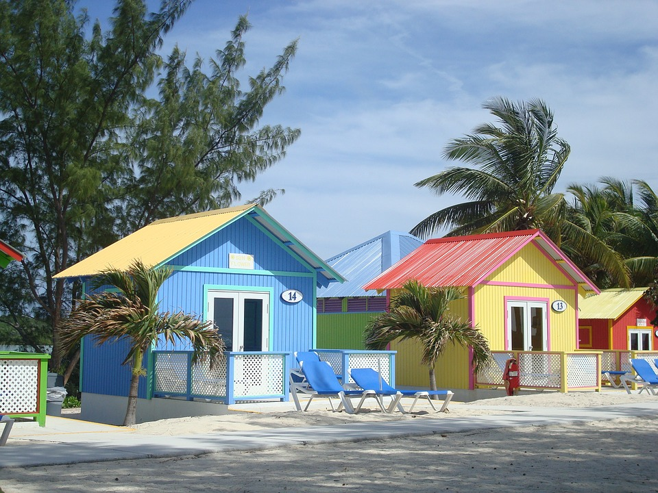 Cottages on the beach - Bahamas. Cottages on the beach (10×10)