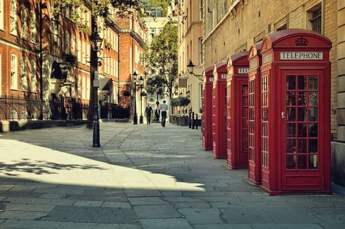 red telephone boxes - telephone boxes on a London street (10×10)