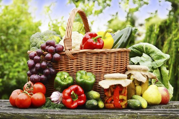 Vegetables and fruits in the b - Vegetables and fruits in the basket (9×7)