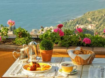 Afternoon tea with a view - Afternoon tea with a view of the sea (9×9)