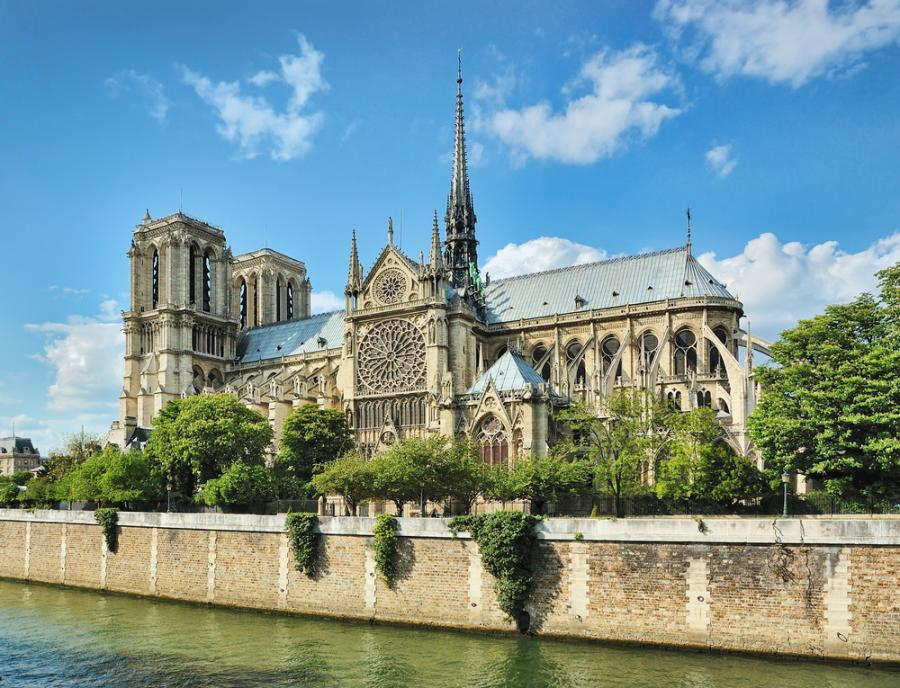 Notre Dame Cathedral in Paris (8×8)