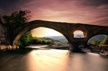 The Kaienny bridge - Bridge - a kind of crossing in the form of an engineering building, the construction of which allows