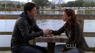 Nathan Royal Scott and Haley James Scott - Nathan Royal Scott and Haley James Scott from the series One Tree Hill - Weather for love