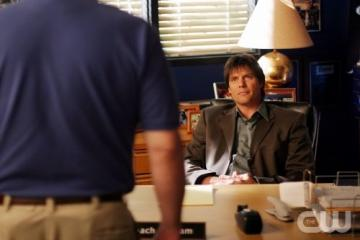 Dan (Daniel) Scott - Dan Scott is the father of Nathan and Lucas. He was associated with Karen Roe, but eventually became