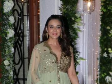 Preity Zinta - Zinta Preity in a traditional Indian costume at the gala