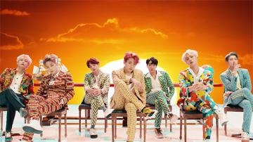 THE BEST BAND THE BEST PEOPLE: BTS - IT IS A FAMOUS BAND A LOT OF PEOPLE WANTS IT MORE THAN OTHER BANDS