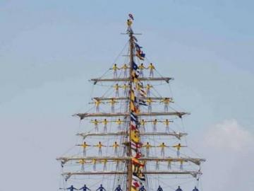 Gloria - Colombian Navy Training Ship - The beautiful Gloria is a three-masted barque. She is a training ship and official flagship of the C