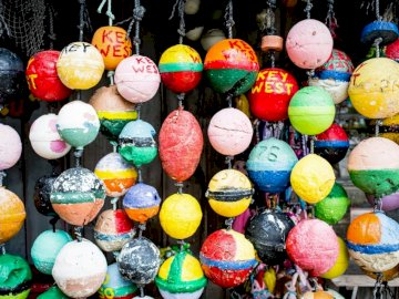 Key West Floaters - Assorted hanging bath bombs.